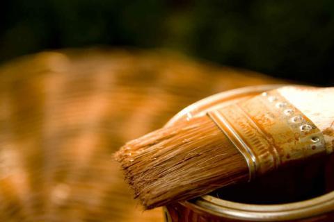 La riverniciatura dei serramenti in legno, passo dopo passo